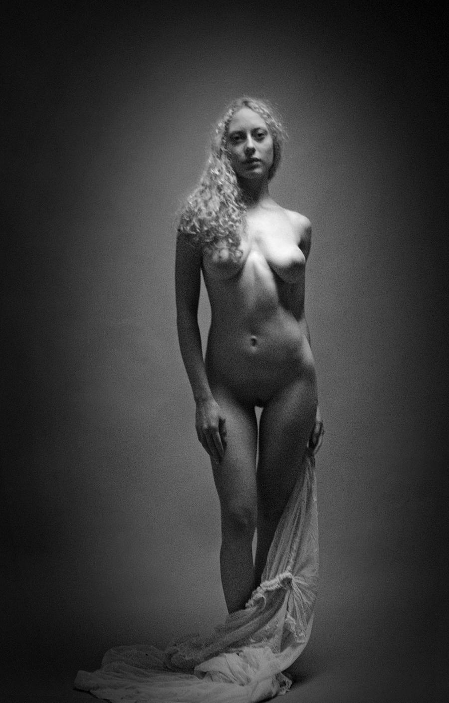 naked nunn